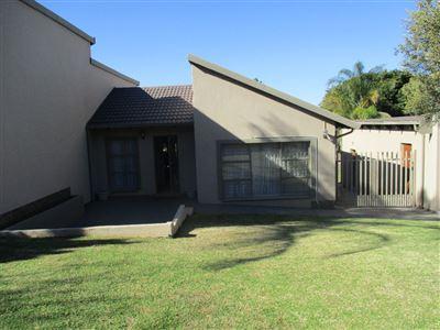 Safari Gardens property for sale. Ref No: 13510870. Picture no 1