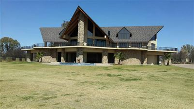 Property and Houses for sale in North West, Farms, 4 Bedrooms - ZAR 999,999,999