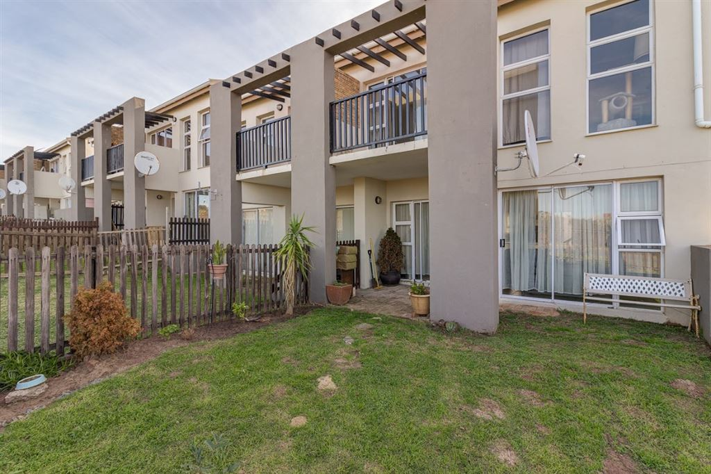 Two bedroom duplex in secure complex in Port Alfred