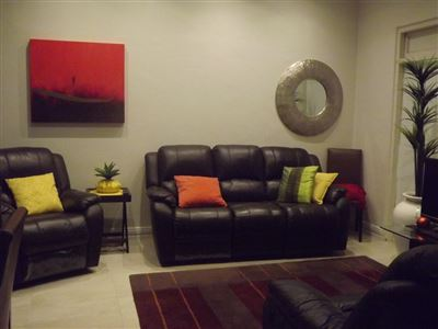 Property and Houses for sale in Woodstock, Apartment, 3 Bedrooms - ZAR 2,400,000