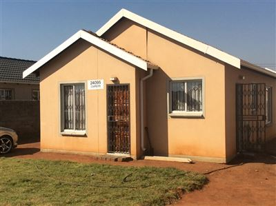 Soweto, Protea Glen & Ext Property  | Houses For Sale Protea Glen & Ext, Protea Glen & Ext, House 3 bedrooms property for sale Price:600,000