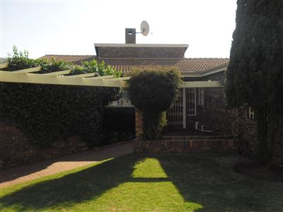 Property and Houses for sale in Reyno Ridge And Ext, House, 4 Bedrooms - ZAR 1,245,000