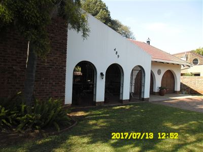 Property and Houses for sale in Die Wilgers, House, 4 Bedrooms - ZAR 2,600,000