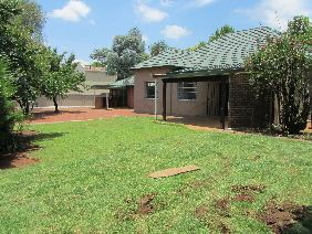 Property and Houses for sale in Hatfield, House, 8 Bedrooms - ZAR 3,900,000