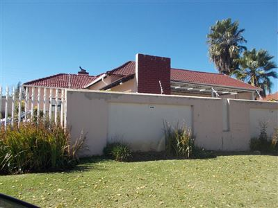 Johannesburg, Ridgeway Property  | Houses For Sale Ridgeway, Ridgeway, House 3 bedrooms property for sale Price:1,425,000