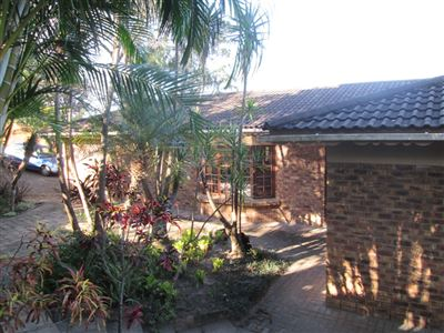 Uvongo property for sale. Ref No: 13513146. Picture no 2