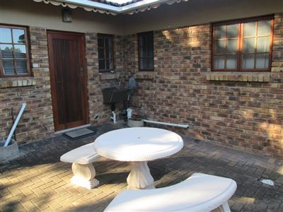 Uvongo property for sale. Ref No: 13513146. Picture no 4