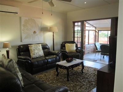Uvongo property for sale. Ref No: 13513146. Picture no 7
