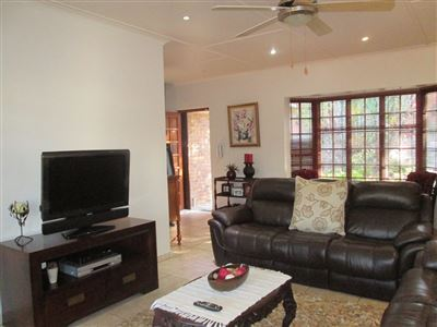 Uvongo property for sale. Ref No: 13513146. Picture no 9