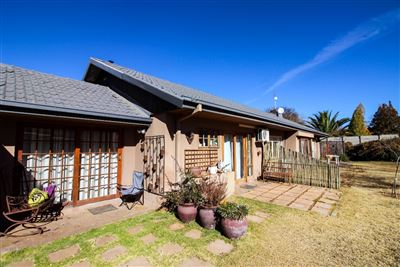 Bloemfontein, Universitas Property  | Houses For Sale Universitas, Universitas, House 9 bedrooms property for sale Price:2,500,000