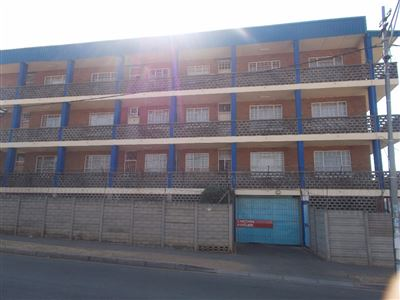 Johannesburg, Rosettenville Property  | Houses For Sale Rosettenville, Rosettenville, Apartment 2 bedrooms property for sale Price:370,000