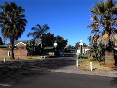 Pretoria, Elarduspark Property  | Houses To Rent Elarduspark, Elarduspark, Townhouse 2 bedrooms property to rent Price:,  7,00*