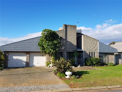 Durbanville, Vergesig Property    Houses For Sale Vergesig, Vergesig, Townhouse 3 bedrooms property for sale Price:2,350,000