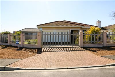 Brackenfell, Sonkring Property  | Houses For Sale Sonkring, Sonkring, House 3 bedrooms property for sale Price:2,190,000