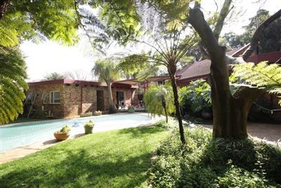 Property and Houses for sale in Garsfontein, House, 4 Bedrooms - ZAR 1,995,000