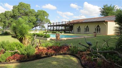 Property and Houses for sale in De Wagensdrift, Farms, 4 Bedrooms - ZAR 2,995,000
