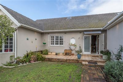 Bellville, Stellenridge Property  | Houses For Sale Stellenridge, Stellenridge, House 4 bedrooms property for sale Price:2,499,000
