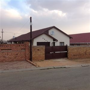 Krugersdorp, Kagiso & Ext Property  | Houses For Sale Kagiso & Ext, Kagiso & Ext, House 3 bedrooms property for sale Price:630,000