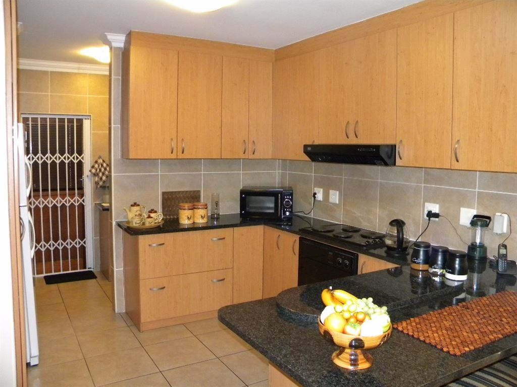 3 Bedroom House For Sale in Protea Heights, Brackenfell