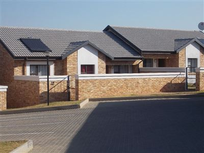 Boksburg, Beyerspark Property  | Houses For Sale Beyerspark, Beyerspark, Apartment 2 bedrooms property for sale Price:899,000