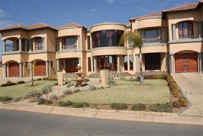 Pretoria, Pebble Rock Golf Village Property  | Houses For Sale Pebble Rock Golf Village, Pebble Rock Golf Village, House 6 bedrooms property for sale Price:4,000,000
