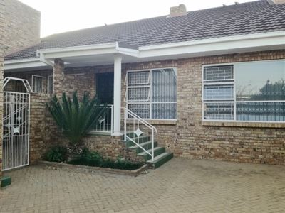 Klerksdorp, Flamwood Property  | Houses For Sale Flamwood, Flamwood, Cluster 3 bedrooms property for sale Price:750,000