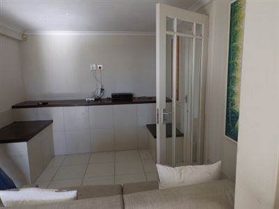 Green Point property to rent. Ref No: 13523564. Picture no 3