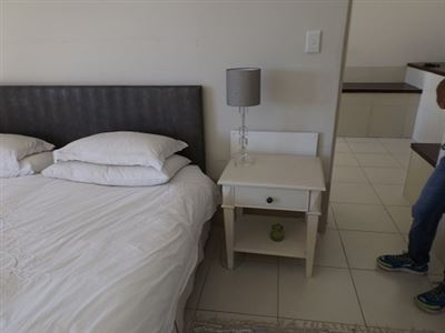 Green Point property to rent. Ref No: 13523564. Picture no 12