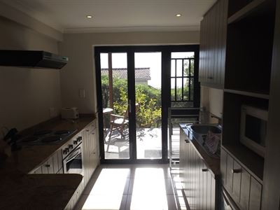 Green Point property to rent. Ref No: 13523564. Picture no 7