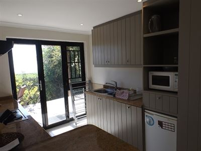 Green Point property to rent. Ref No: 13523564. Picture no 6