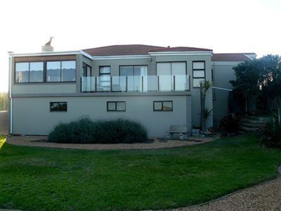 Property and Houses for sale in Jongensfontein, House, 3 Bedrooms - ZAR 2,999,000