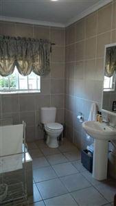 Rustenburg property for sale. Ref No: 13523986. Picture no 11