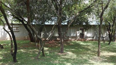 Rustenburg property for sale. Ref No: 13523986. Picture no 7