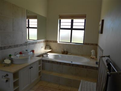 Yzerfontein property for sale. Ref No: 13524399. Picture no 25