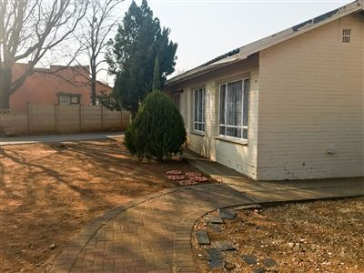 Bloemfontein, Fauna Property  | Houses For Sale Fauna, Fauna, House 3 bedrooms property for sale Price:835,000