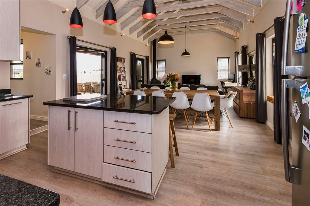 Warm & Inviting Home in Popular Estate in Somerset West
