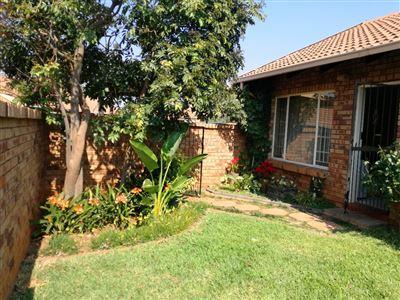Faerie Glen property for sale. Ref No: 13524740. Picture no 1