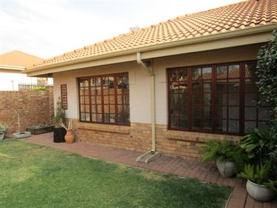 Pretoria, Equestria Property  | Houses To Rent Equestria, Equestria, Townhouse 3 bedrooms property to rent Price:, 11,00*