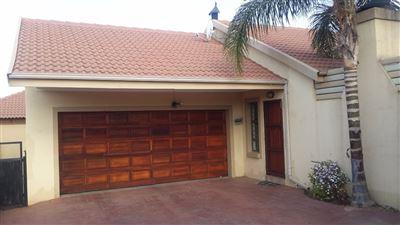 Thatchfield Estate property for sale. Ref No: 13525401. Picture no 1