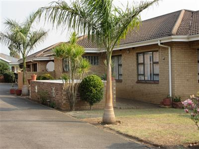 House for sale in Howick West