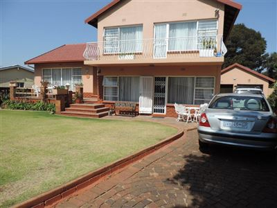 Roodepoort, Ontdekkerspark Property  | Houses For Sale Ontdekkerspark, Ontdekkerspark, House 4 bedrooms property for sale Price:1,595,000