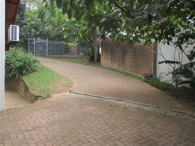 Marina Beach property for sale. Ref No: 13526729. Picture no 24