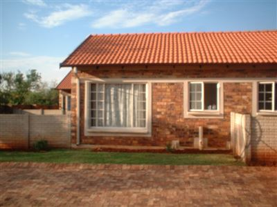 Property and Houses for sale in The Orchards Xx Ext, House, 2 Bedrooms - ZAR 450,000