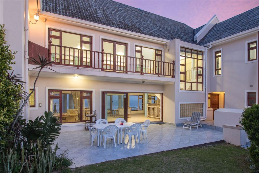 Breathtaking Sea Views and Five Bedrooms in Port Alfred