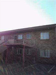Property and Houses for sale in Highveld, House, 2 Bedrooms - ZAR 800,000