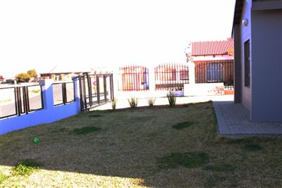 Bloemfontein, Vista Park Property  | Houses For Sale Vista Park, Vista Park, House 3 bedrooms property for sale Price:1,220,000
