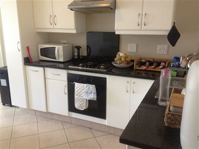 Grahamstown property to rent. Ref No: 13527971. Picture no 2