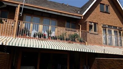 Property and Houses for sale in Hatfield, Townhouse, 2 Bedrooms - ZAR 1,750,000