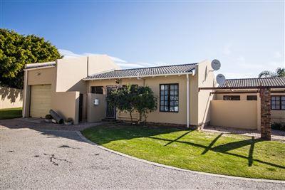 Port Elizabeth, Lorraine Property    Houses For Sale Lorraine, Lorraine, Townhouse 2 bedrooms property for sale Price:615,000