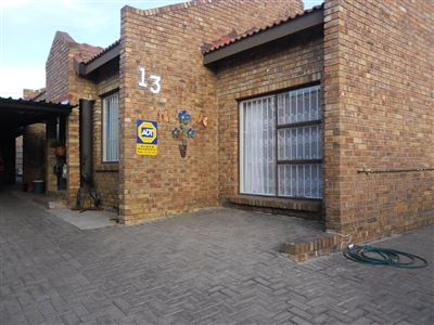 Property and Houses for sale in Witbank Xx Ext, House, 3 Bedrooms - ZAR 750,000